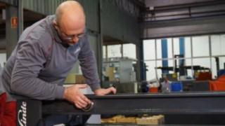 Renovering av ett stativ för en begagnad truck