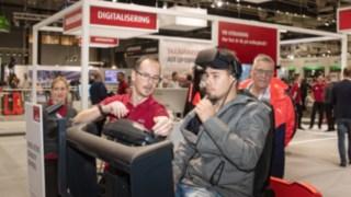 På mässan kunde man testa på en ASC-simulator i virtuell miljö.